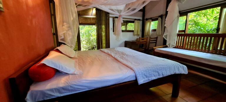 Vietnamese Lodge Room
